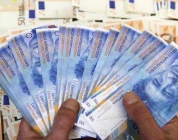 U čarapi sakrili 100 000 franaka