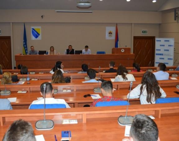 Mladi iz Srpske sa parlamentarcima