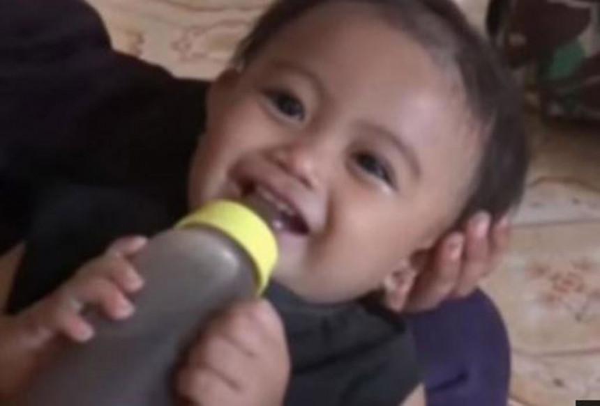 Indonezija: Roditelji bebu hranili kafom