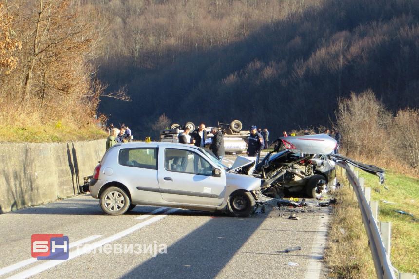 Pet osoba povrijeđeno na putu kod Vlasenice
