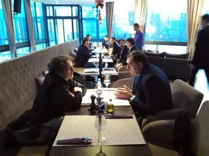 Dodik ugostio Bregu u svom restoranu