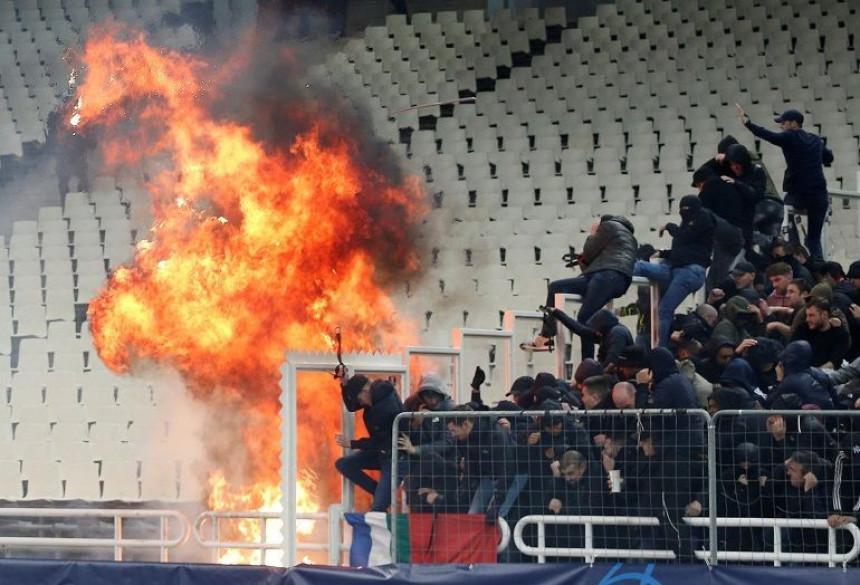 AEK pred praznim tribinama!
