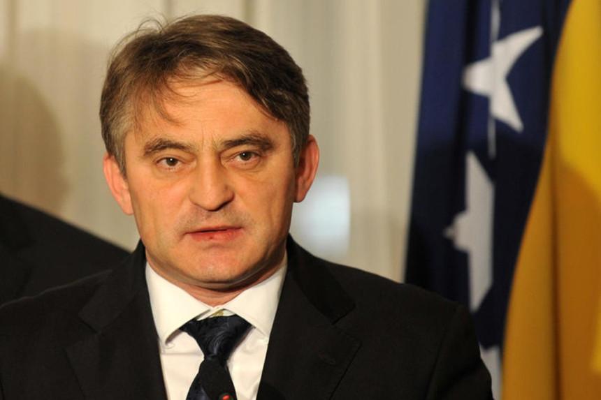 "Dodik mora da ""proguta žabu"""