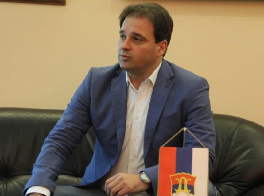 Dodik pokušao da uvuče Vučića u svoje probleme