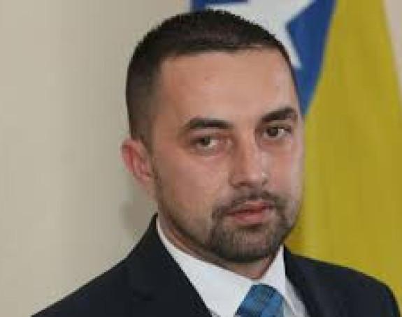 Jerinić postupio po pozivu Dodika