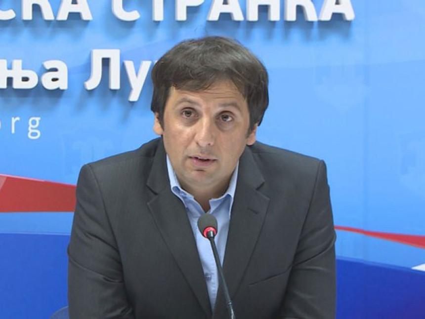 """Urednik RTRS je poslušnik režima"""