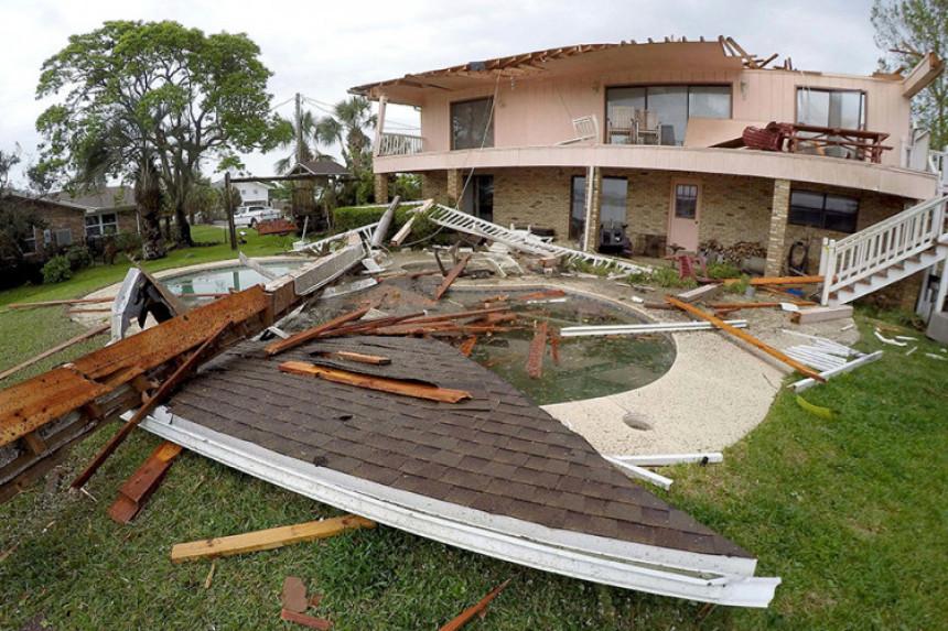 Neobičan tornado prošao Floridom