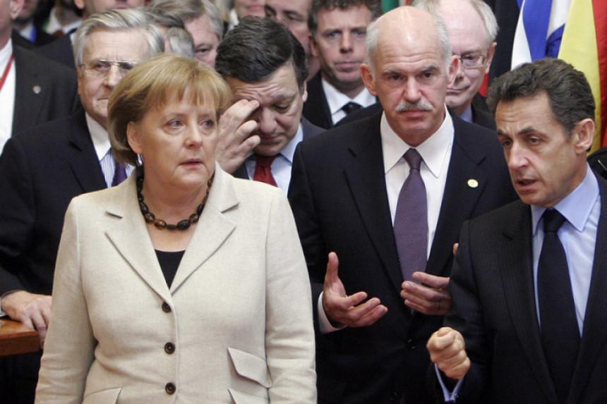 AP: Je li ugrožena uloga Merkelove?