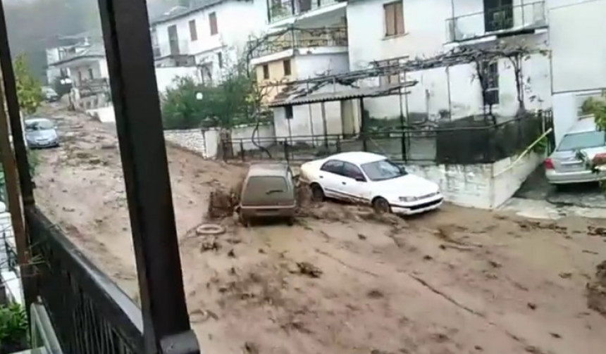 Oluja i vjetar uraganske snage pogodiće Grčku