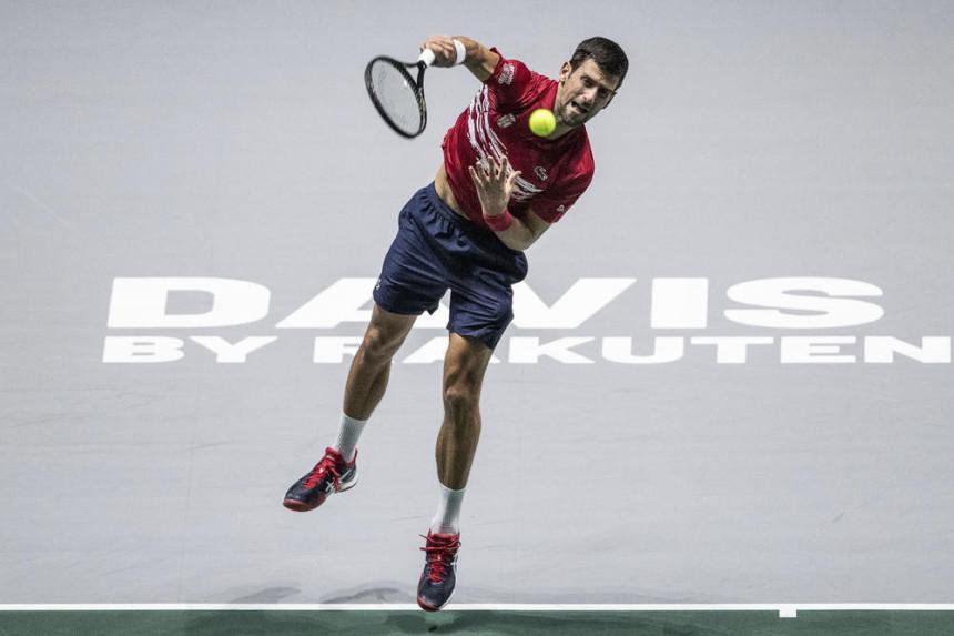 Novak ostaje bez trenera!