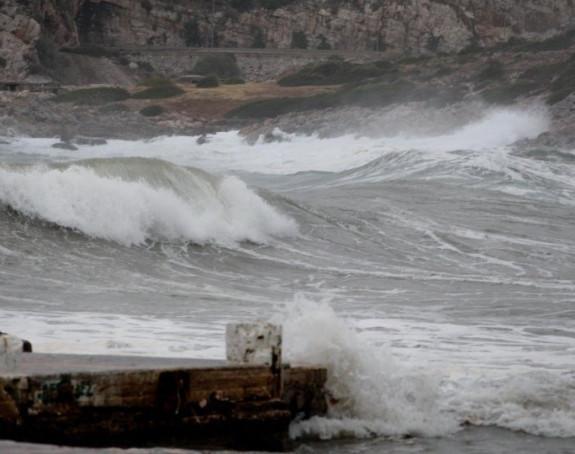 Олујно невријеме у Грчкој, острва поплављена