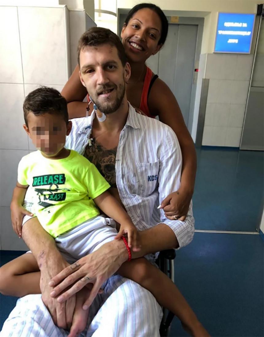 Ognjen Kuzmić sa ženom i sinom