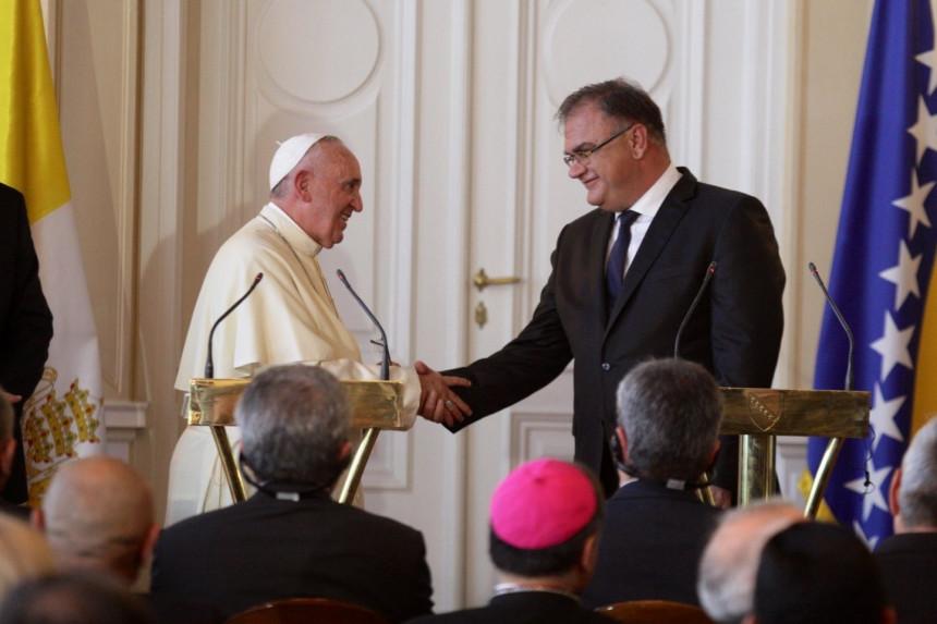 Šta je papa Franjo rekao Ivaniću?
