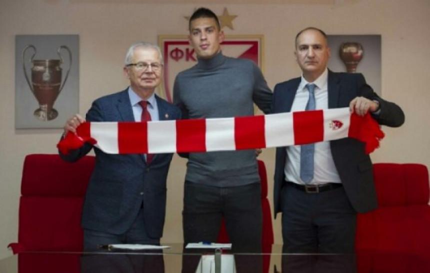 Vujadin Savić produžio vjernost Zvezdi!