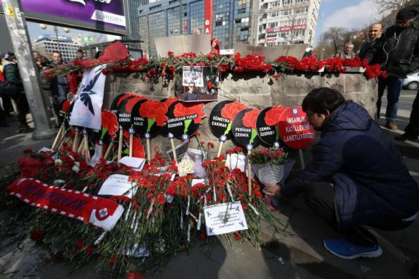 Tviteraši: A gde vam je Je suis Ankara?