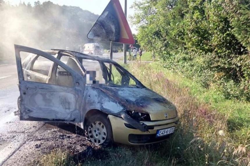 Zapalio se auto: Preminula žena