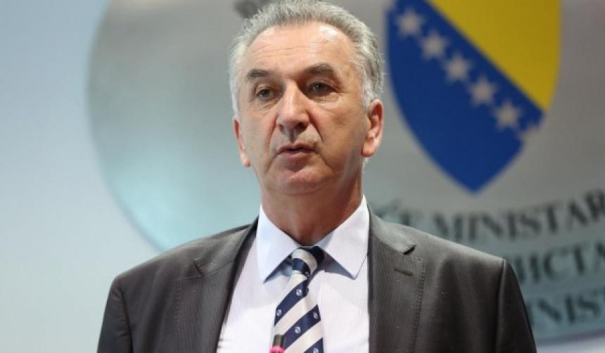Šarović: Uskoro izvoz piletine