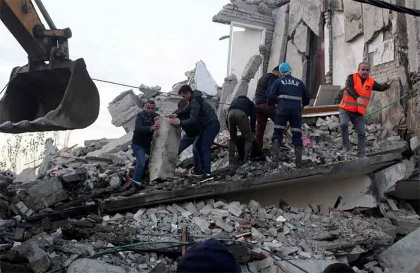 Albanija: Iz ruševina dopiru vapaji za pomoć