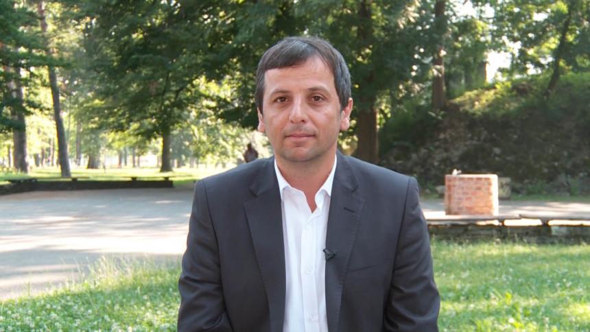 """Miloradu Dodiku su uši istegnute"""