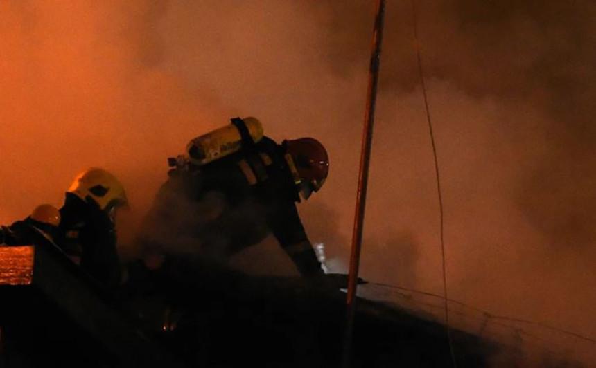 Veliki požar kod Knina, upućena još tri aviona