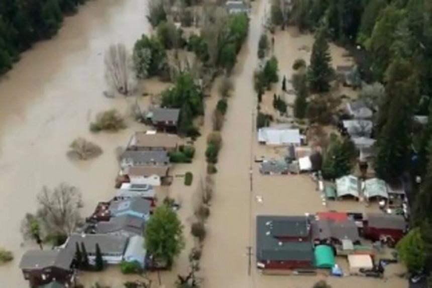Poplavljeno 2000 domova u SAD