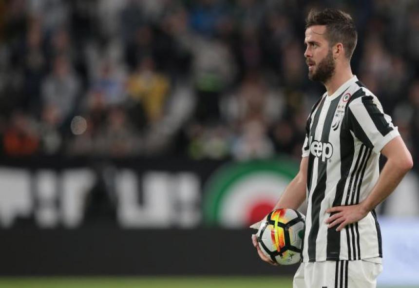 Pjanić ide u PSŽ, Juventus otvara mjesto za Sergeja!