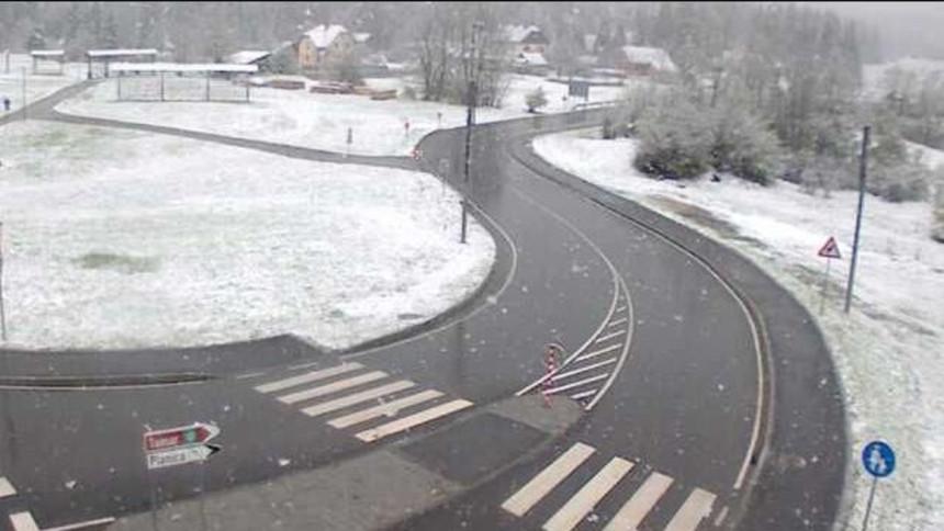 Slovenija: Snijeg pravi probleme