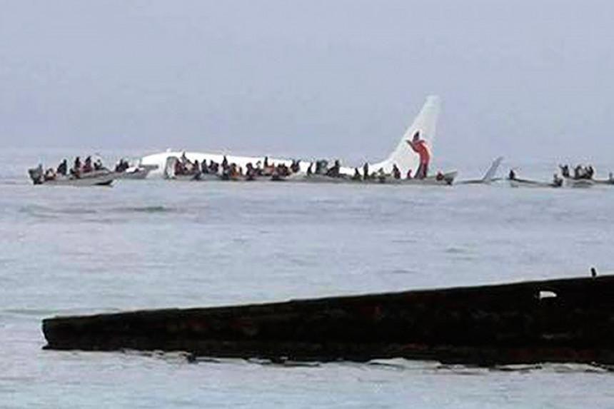 Putnički avion udario u obalu