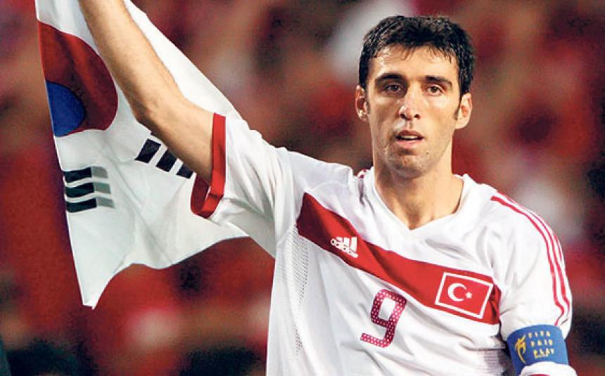 Страшно! Хакан Шукур избрисан из историје турског фудбала!