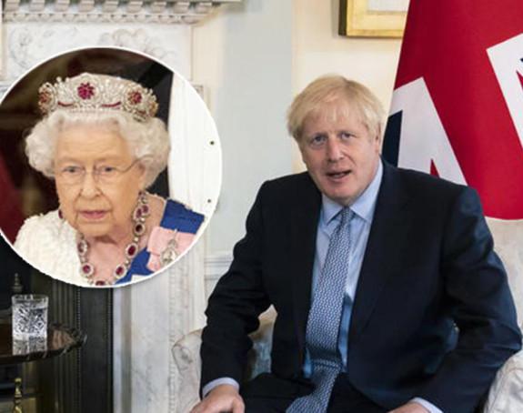 Kraljica podržala Borisa Džonsona, građani ogorčeni