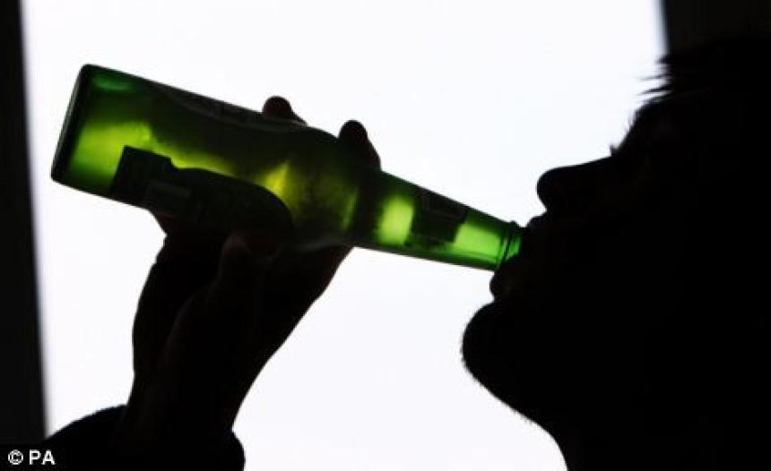 Četvorogodišnjak se komirao od alkohola