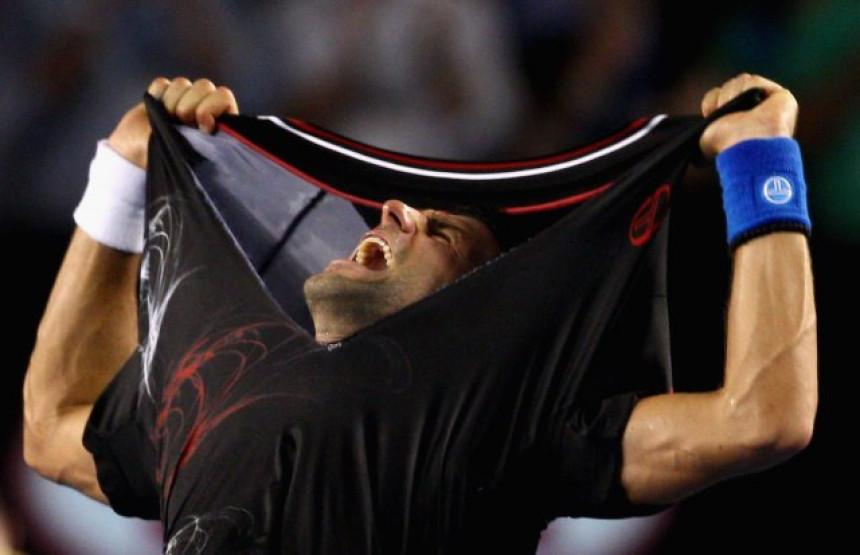 """""""Novakovo cijepanje majice, nije se svidjelo Nadalovom timu!"""""""