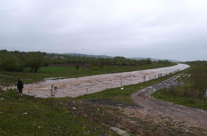 Izlile se rijeke, potoci u Lukavcu