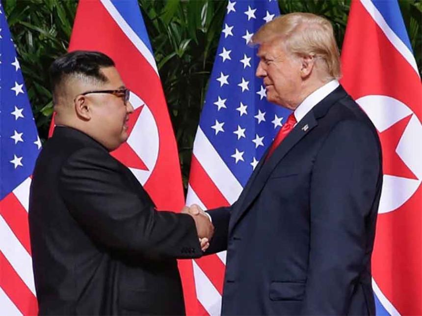 Sastali se Tramp i Kim Džong Un