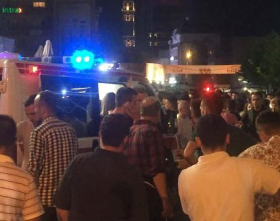 Panika u Prištini, 40 osoba povrijeđeno
