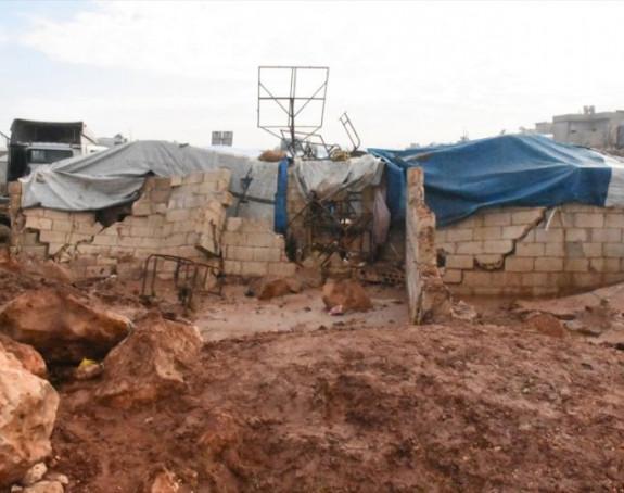 Poplave uništile izbjeglički kamp