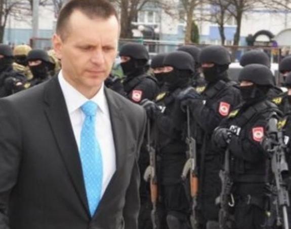 Ministar Lukač tražio pomoć