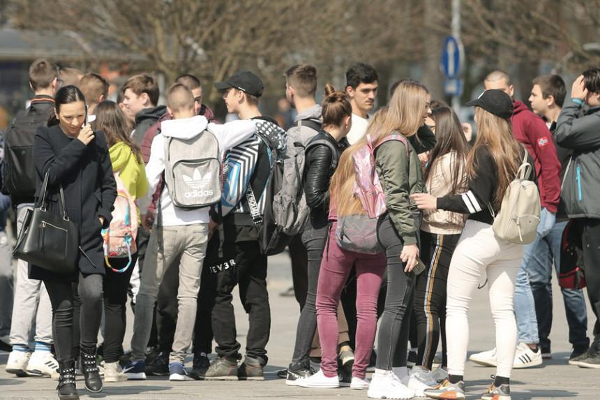 Škole u RS imaće nova pravila